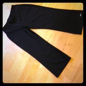 Xs Nike Capri workout pants 0-2 black dri-fit